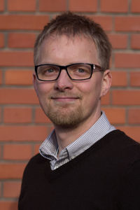 Portrait photo of Sebastian Schürmann